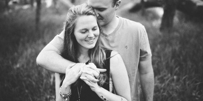 Rachael and Colton // Castlewood Park Engagement Photos